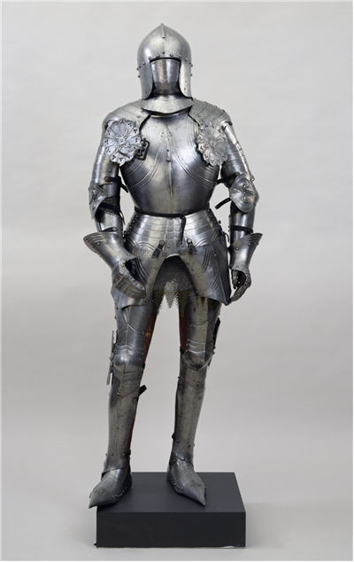 Picture Of Italian Suit Of Armour With Sallet 1450